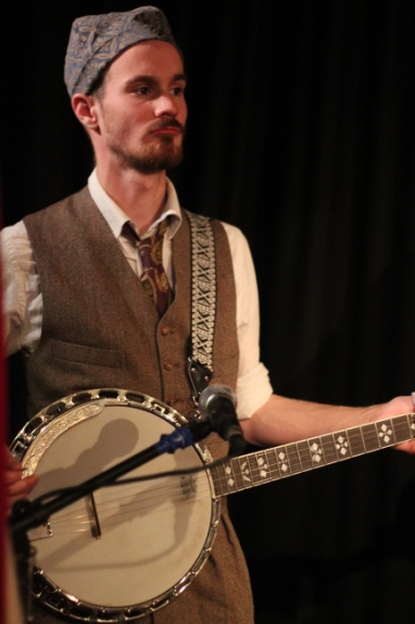Heston Frankley on the banjo